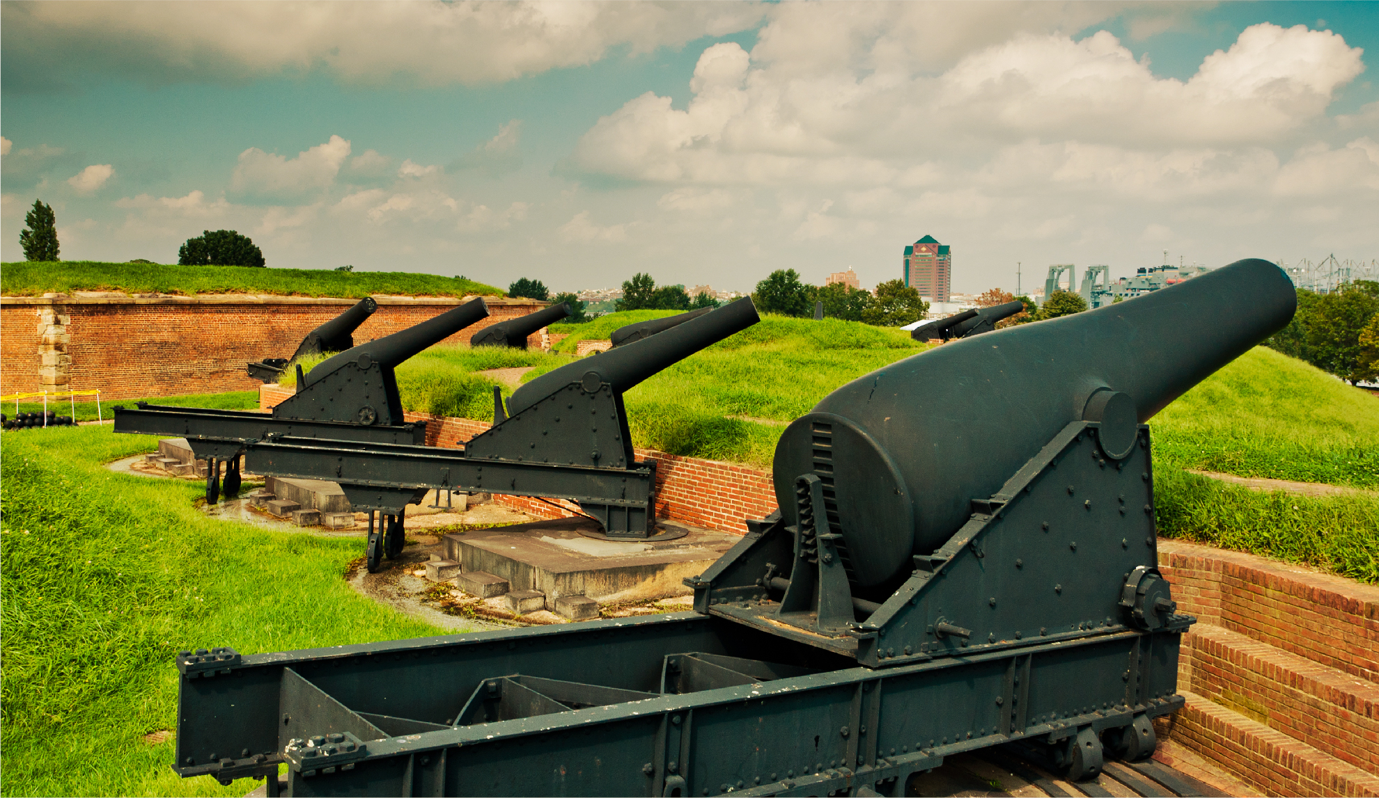 fort mchenry baltimore cannons