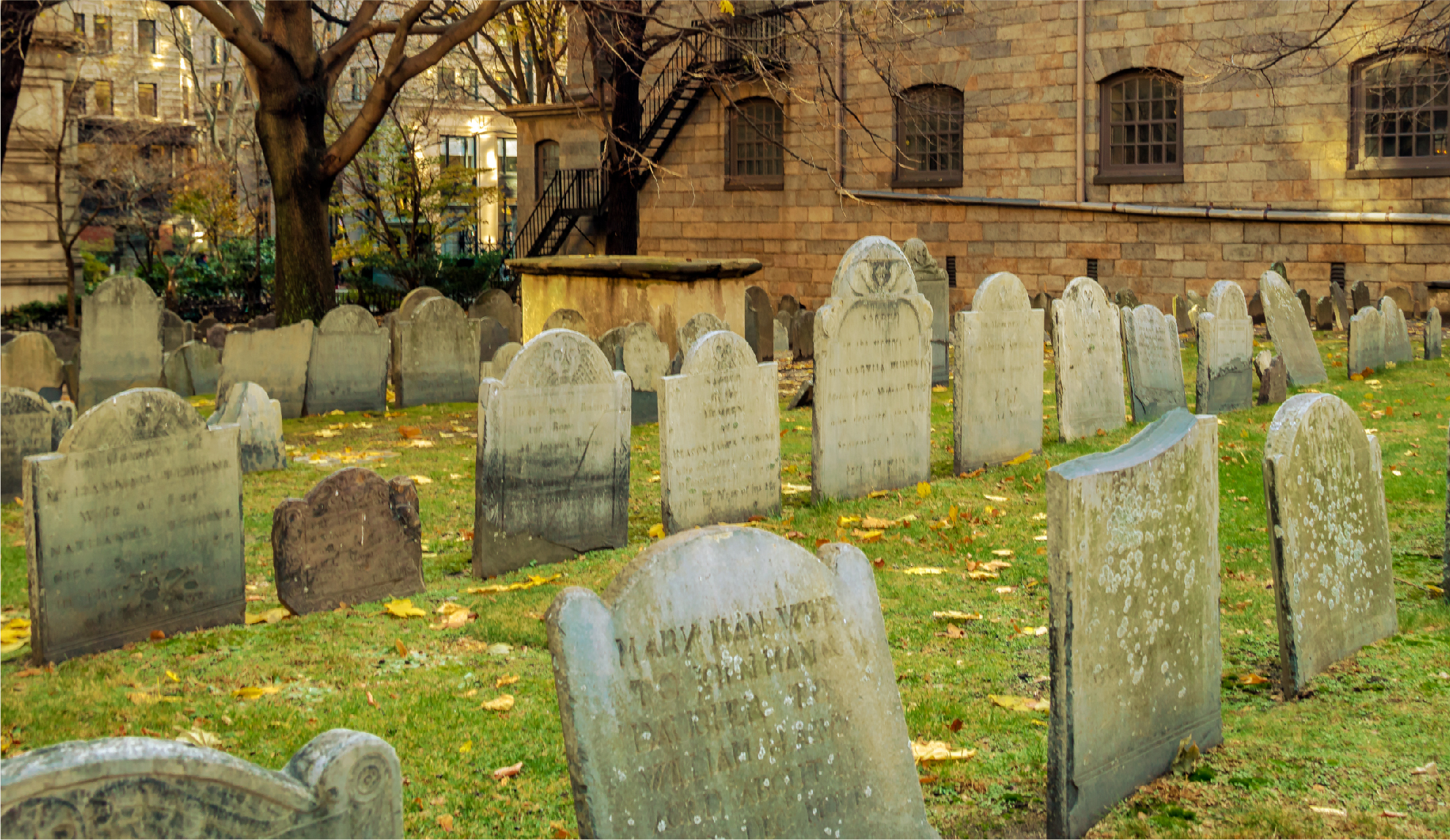 Boston-ghosts-kings-chapel